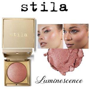STILA Heaven's Hue Highlighter.  Luminescence NWT